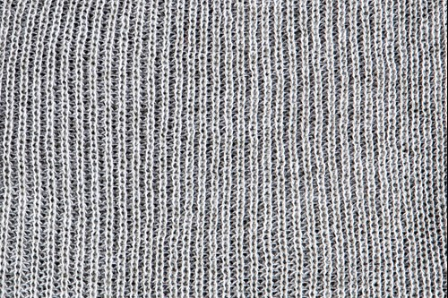 Heathered yarn option steel and white